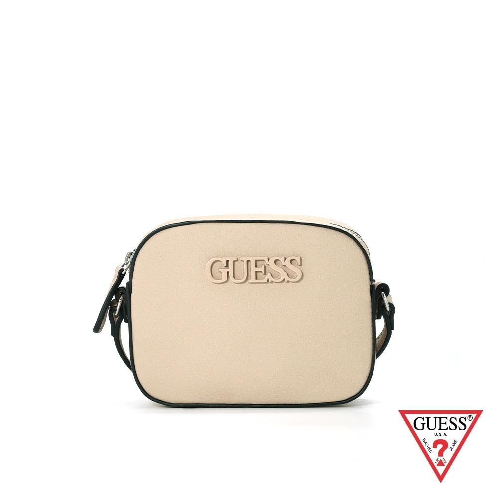 GUESS-女包-簡約素面LOGO小方包-米 原價2290