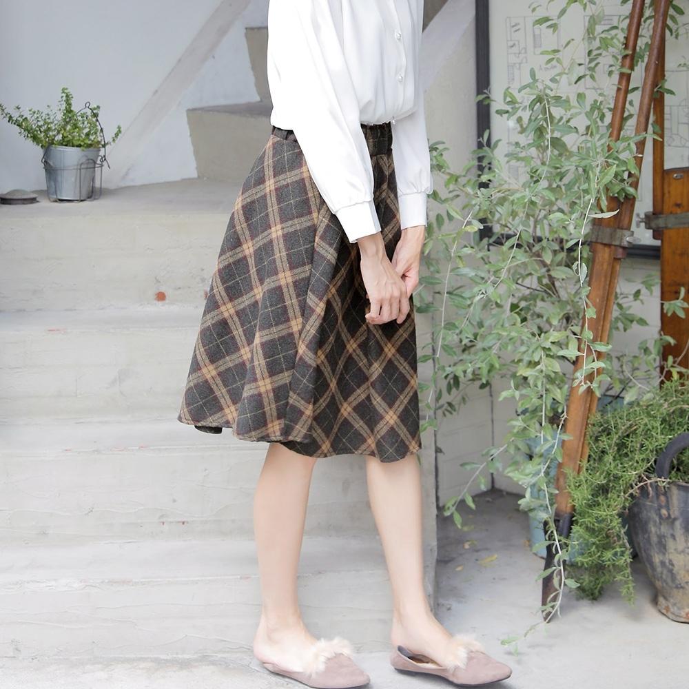 Primazel 蓬鬆厚實感格紋喇叭裙-M