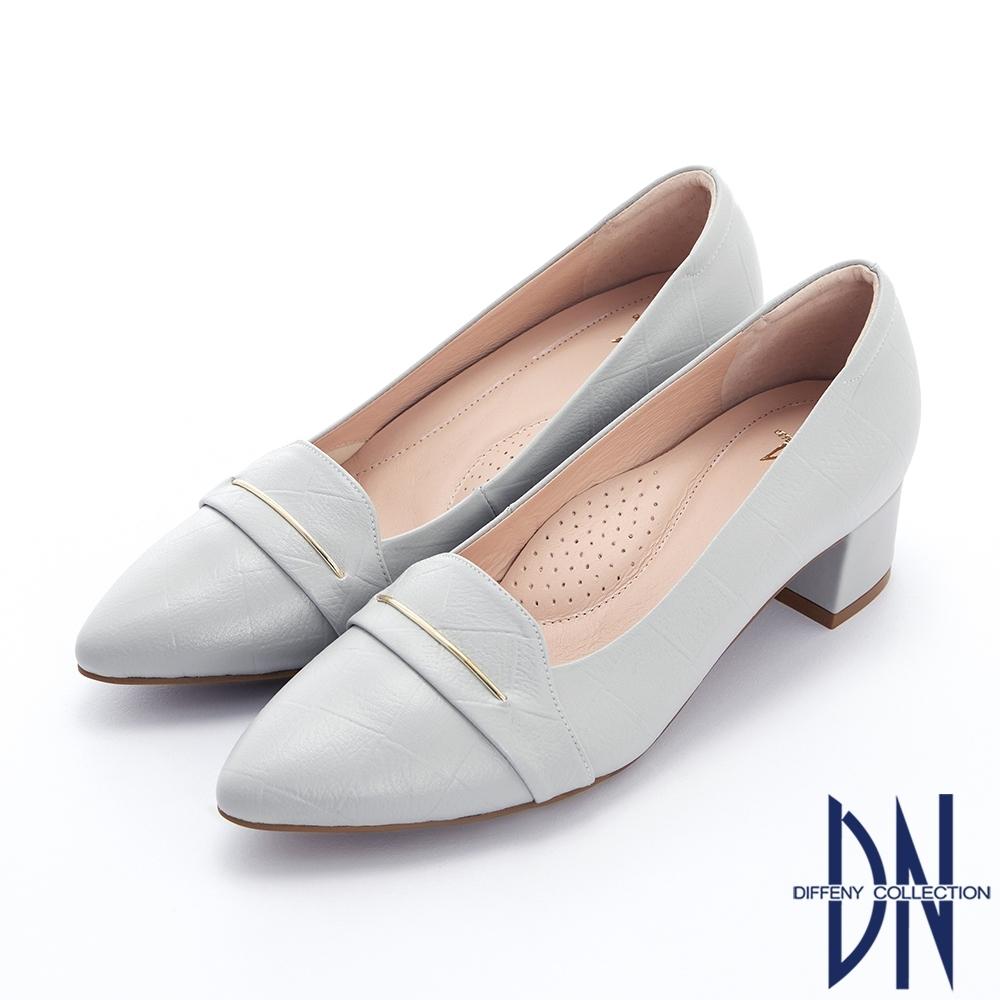 DN跟鞋_MIT素面壓紋金屬線條裝飾真皮粗跟鞋-灰