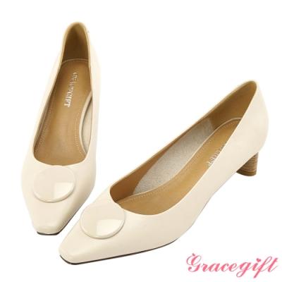 Grace gift-方頭飾釦木紋造型中跟鞋 米白