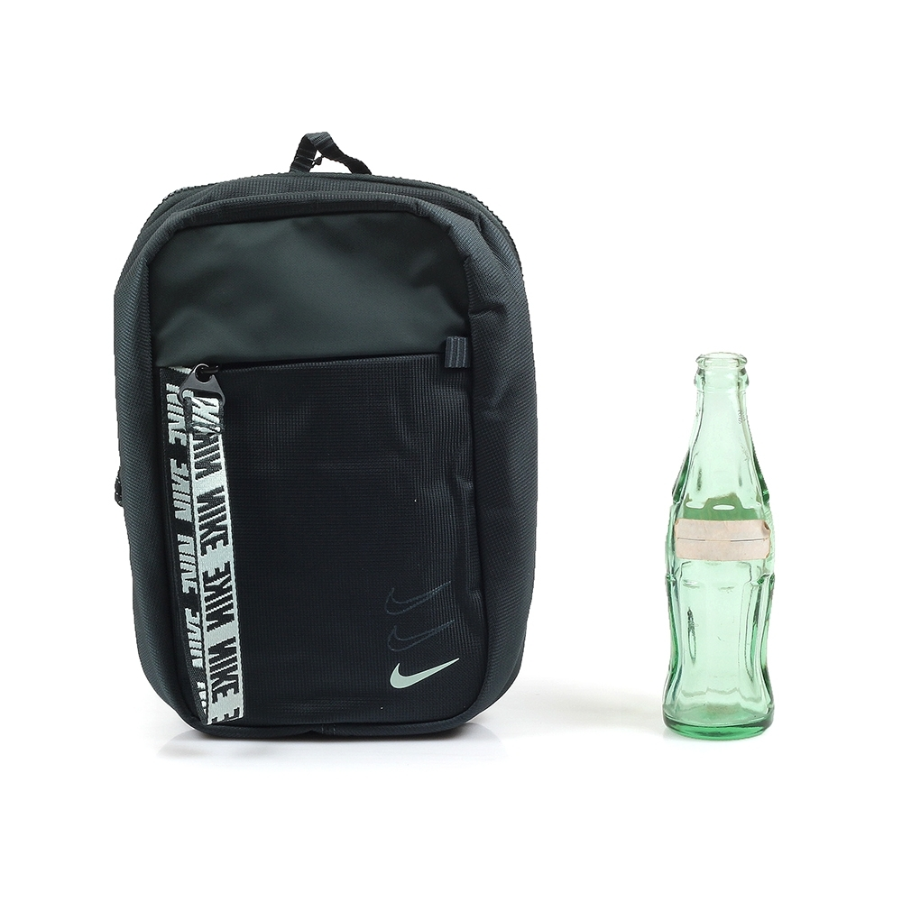 NIKE SPRTSWR ESSENTIALS HIP PACK 斜背包 墨綠 BA6144-364 product image 1