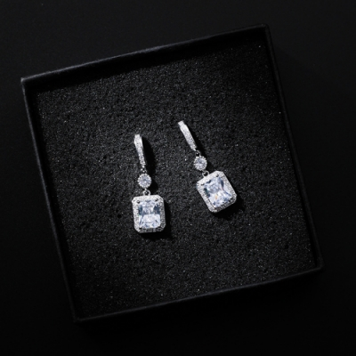 梨花HaNA 韓國S925銀方晶鑲水鑽勾勒耳環