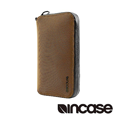 INCASE EO Passport Wallet 防盜科技旅行拉鍊護照夾 (古銅)