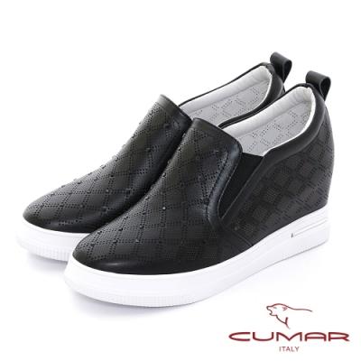 【CUMAR】清爽感沖孔打洞內增高休閒鞋-黑