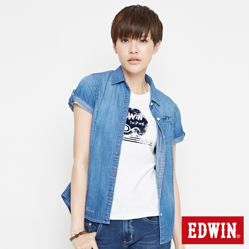 EDWIN 經典貼袋牛仔襯衫-女-拔洗藍