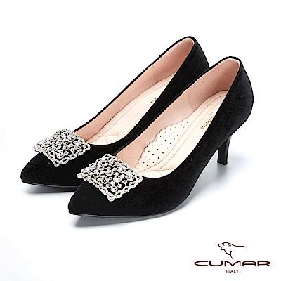 CUMAR璀璨奢華巴洛克方形鏤空鑽飾釦天鵝絨高跟鞋