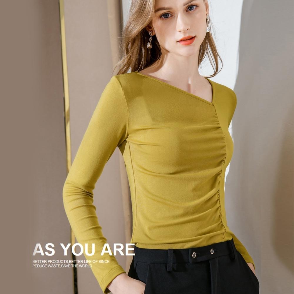 專注內搭-斜V領潮流內搭長袖T恤褶皺彈力緊身褶皺設計感上衣(三色S-2XL可選)