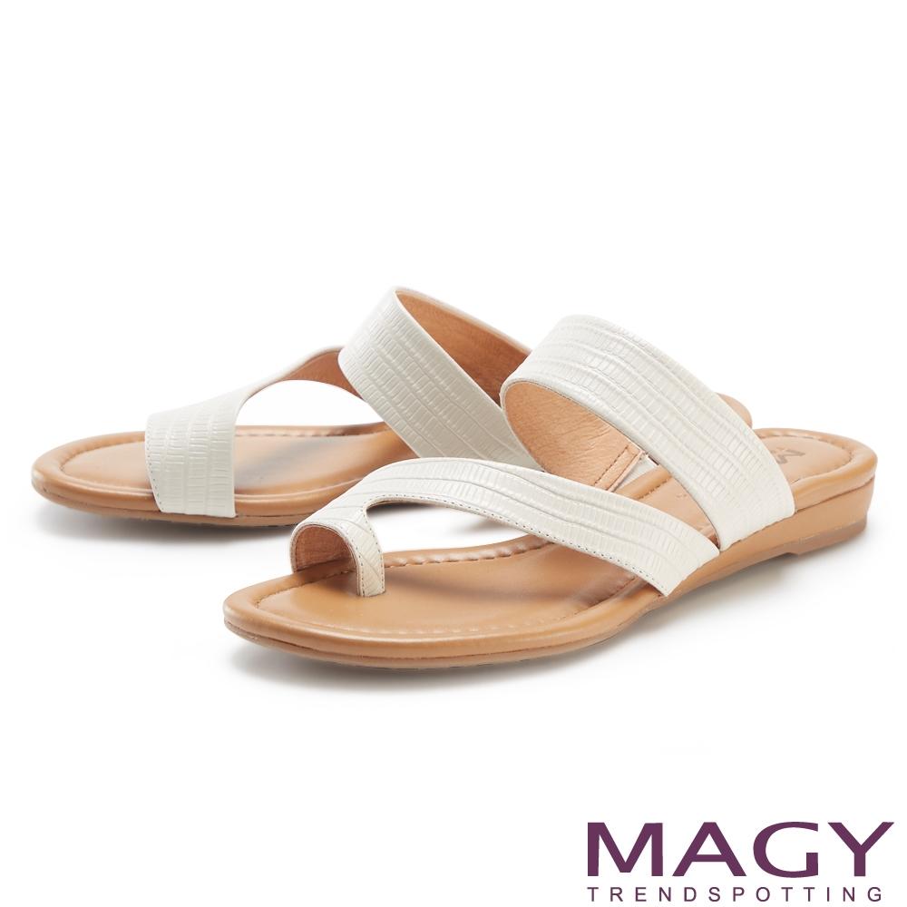 MAGY 斜邊龍骨紋牛皮套指 女 拖鞋 白色