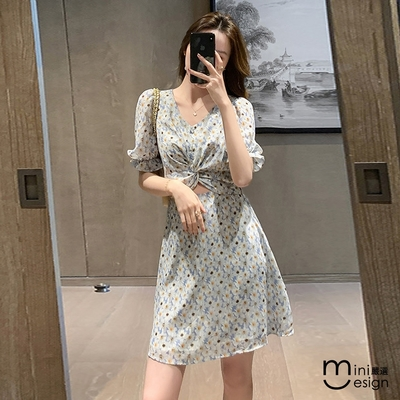 Mini嚴選-小性感V領泡泡袖洋裝