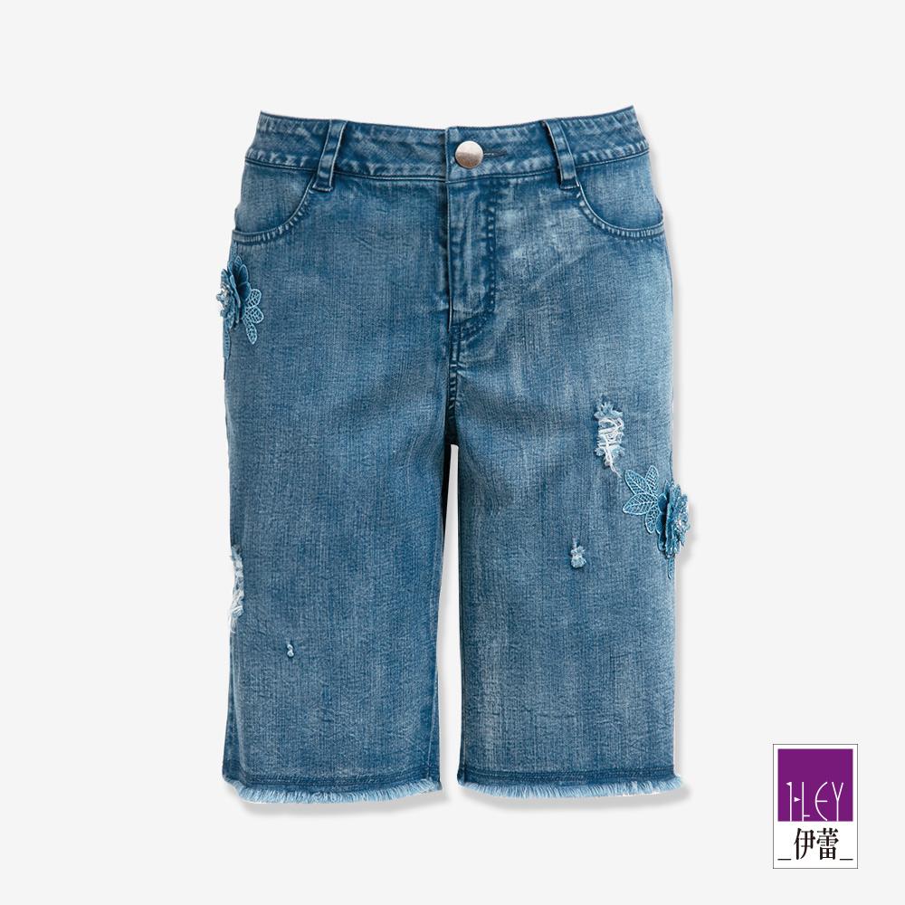 ILEY伊蕾 立體蕾絲花牛仔五分褲(藍)