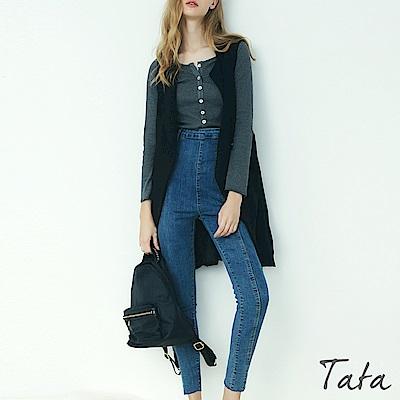 排釦超彈針織素面上衣 TATA