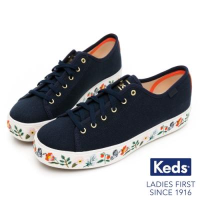 Keds x Rifle Paper 聯名款-TRIPLE KICK 草莓花卉厚底帆布鞋-深藍