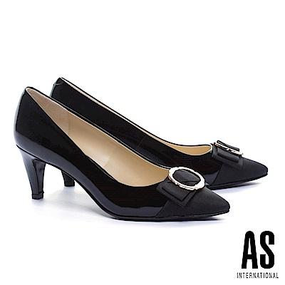 高跟鞋 AS 異材質拼接金屬釦蝴蝶結牛軟漆皮尖頭高跟鞋-黑