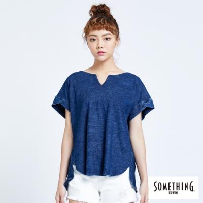 SOMETHING 簡約個性剪裁 短袖T恤-女-中古藍