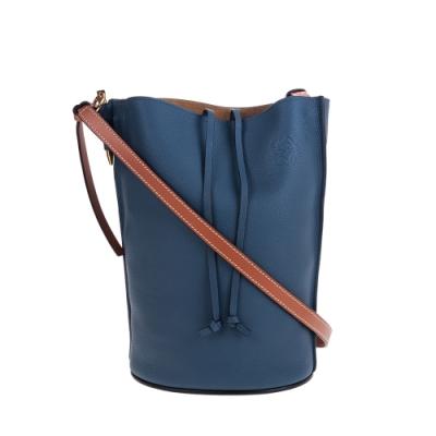 LOEWE 新款柔軟粒面小牛皮Gate Bucket肩背/斜背水桶包 (霧藍色)