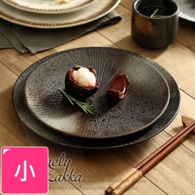 Homely Zakka 日式創意復古浮雕條紋陶瓷餐具_小圓平盤