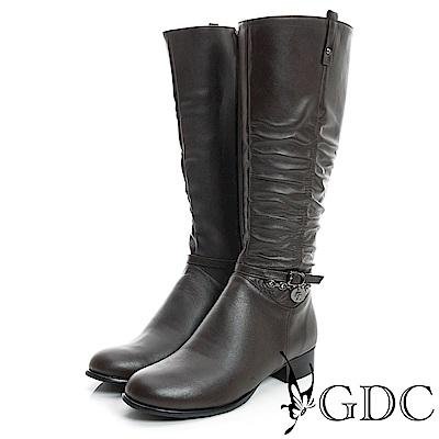 GDC-側扣帶吊飾抓皺造型真皮長靴-咖