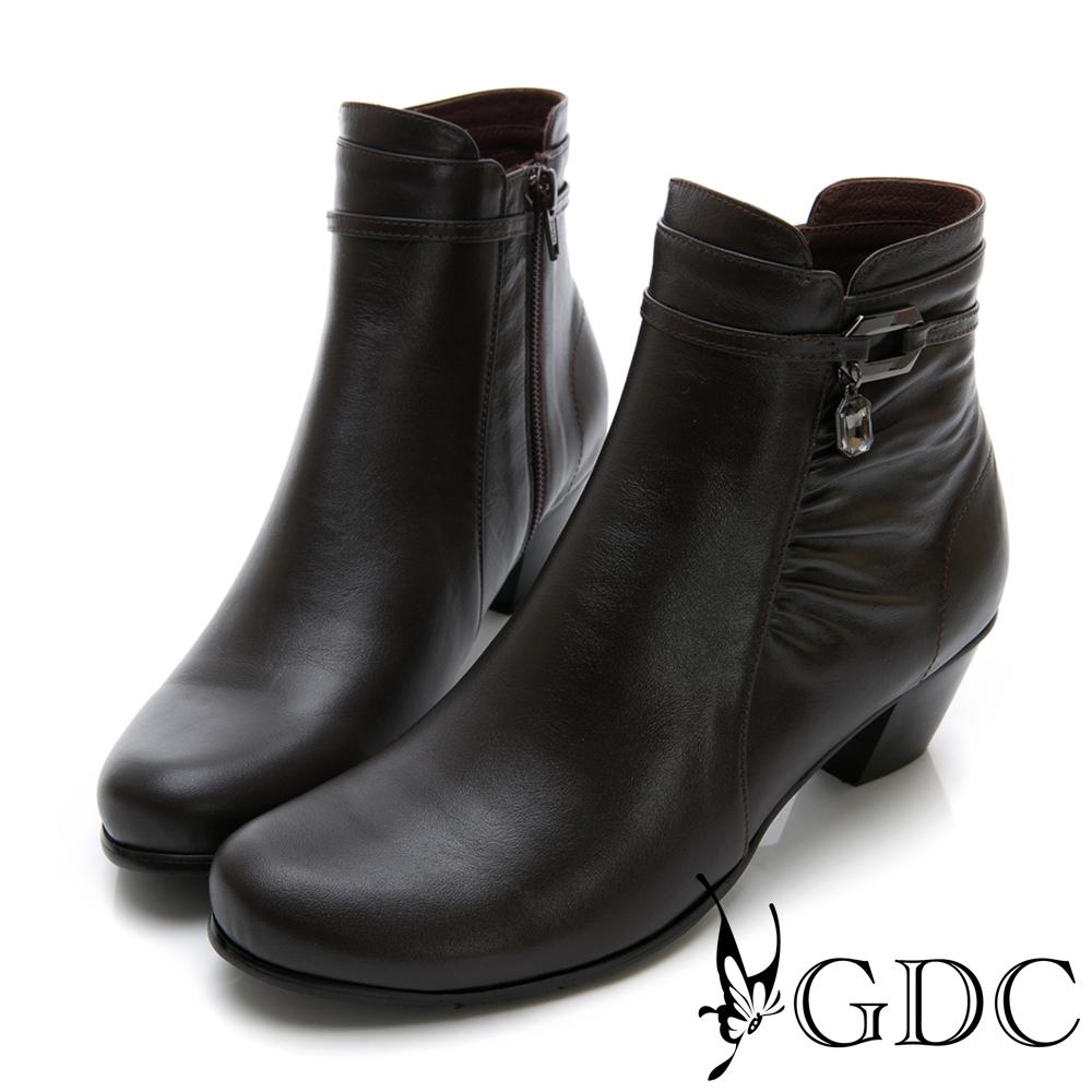 GDC-真皮抓皺小扣飾時尚小短靴-咖色