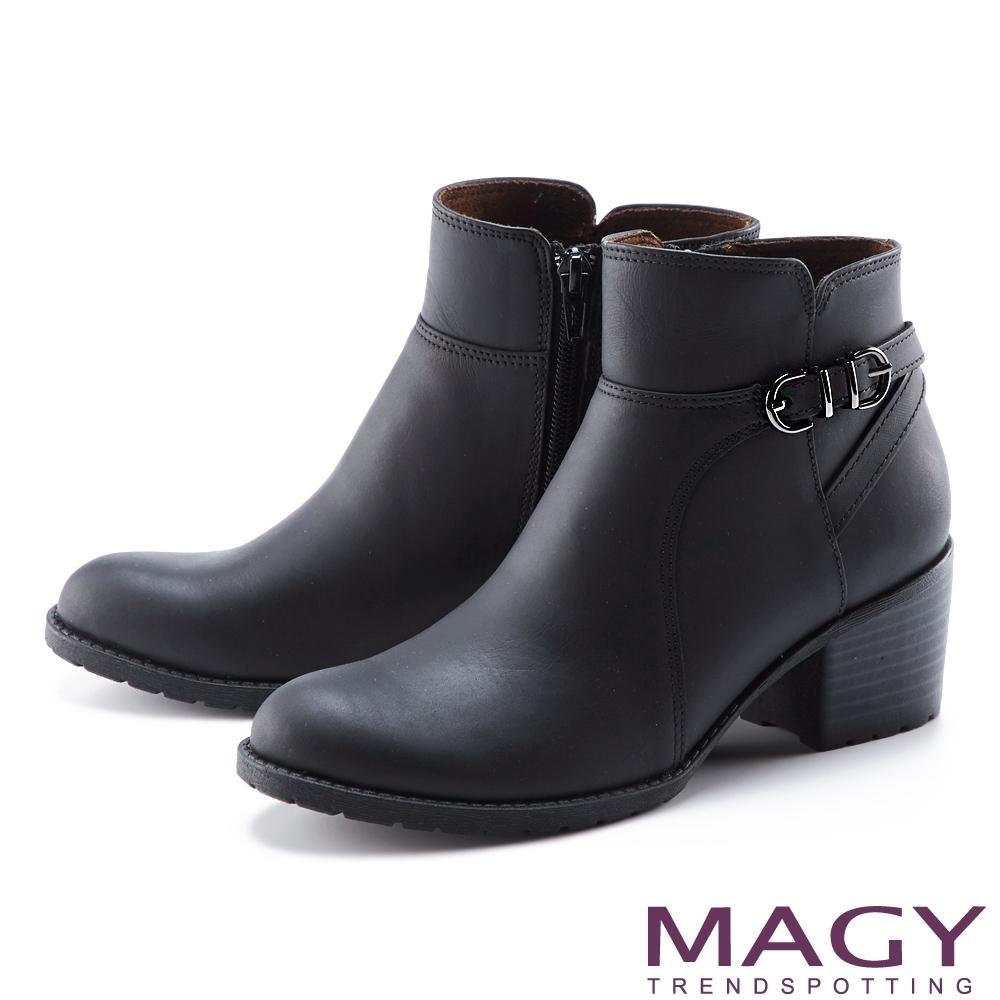 MAGY 交叉繫帶釦真皮粗跟 女 短靴 黑色