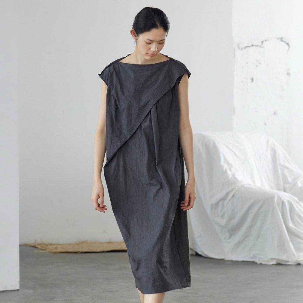 旅途原品_褶_原創設計一字領輕禮服連衣裙-深灰色