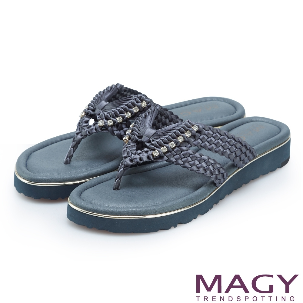 MAGY 造型編織水鑽夾腳拖鞋 藍色