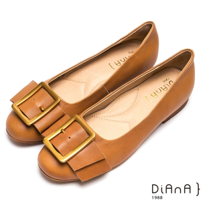 DIANA經典穿孔大方釦寬繞帶休閒鞋-復古原色-棕