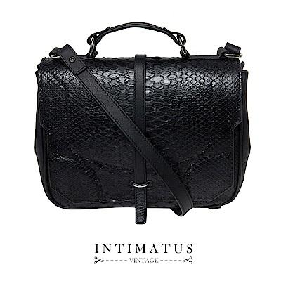 INTIMATUS 真皮 復古蛇紋壓紋兩用斜背包 黑色
