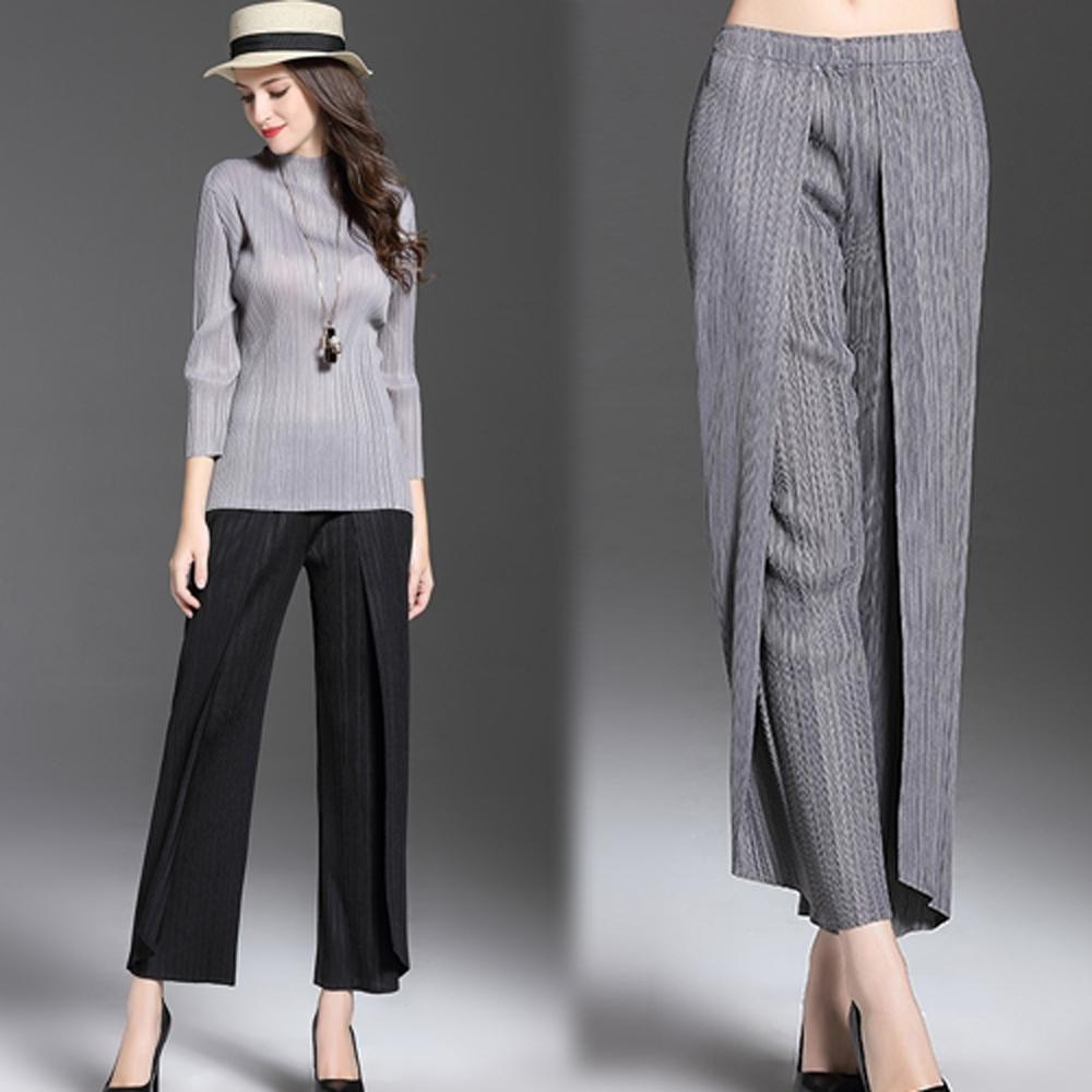 【KEITH-WILL】(預購) 時尚剪裁休閒素面三宅壓摺寬褲