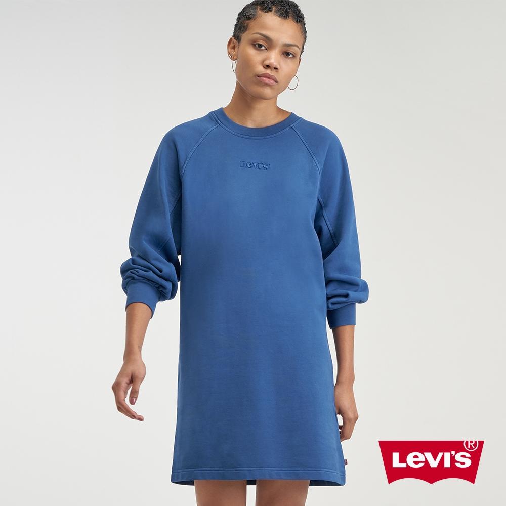 Levis 女款 重磅大學T洋裝 精工全一色刺繡Logo 復古打摺寬袖 360GSM厚棉 飄洗藍