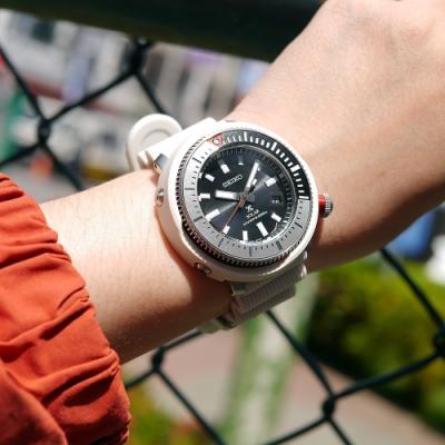 SEIKO 精工 PROSPEX 鮪魚罐頭 太陽能 潛水錶 日期 矽膠手錶-黑x灰白色/47mm