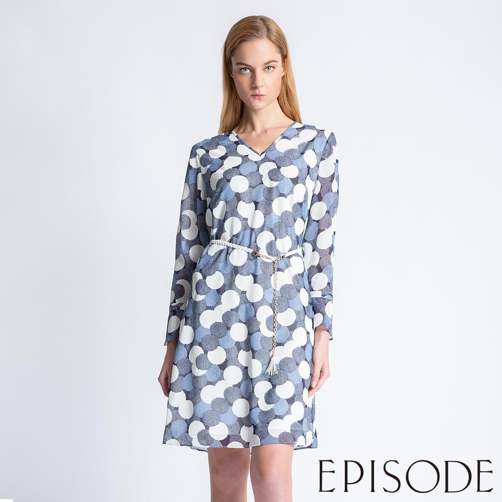 EPISODE - 優雅滿版圓點雪紡V領造型洋裝(藍)