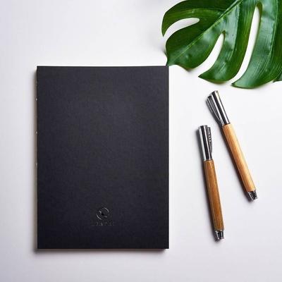 磊泰 經典 A5/25K 方格筆記本-黑色裸背