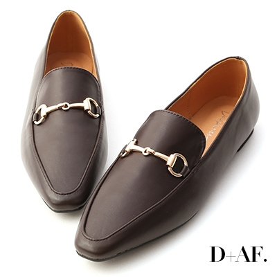 D+AF 精選品味.馬銜釦微尖頭樂福鞋*咖