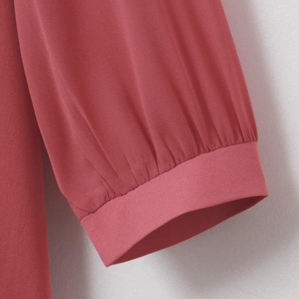 純色不易皺小V領優雅綴飾七分袖上衣-OB大尺碼