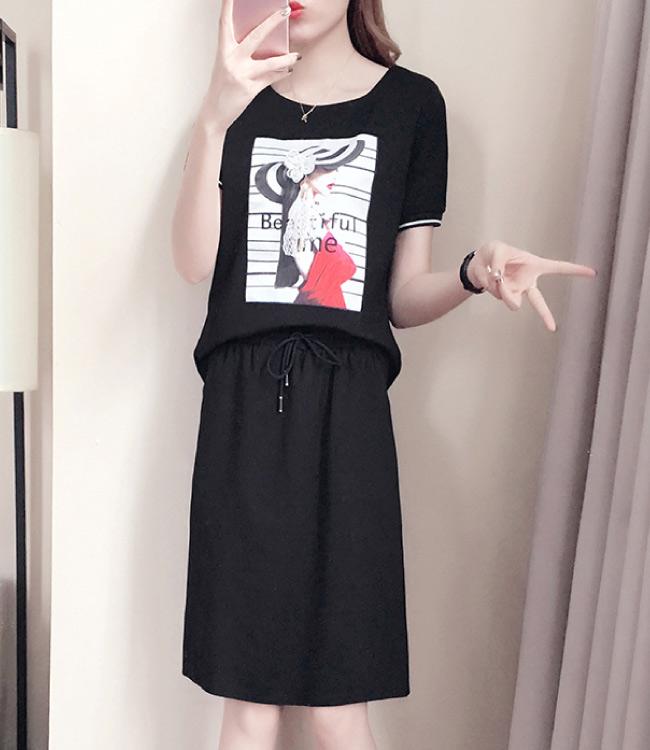 中大尺碼圓帽女孩立體小花耳環鍊上衣加抽繩開叉裙套裝XL~4L-Ballet Dolly