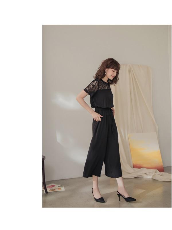 純色蕾絲拼接後V收腰短袖連身長褲-OB大尺碼