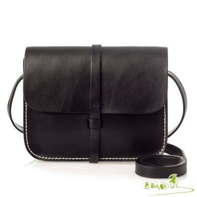 手感的秀 頂級植揉革插梢美型斜背包(時髦黑)