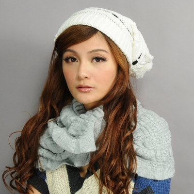 Aimee Toff 球球造型基本多色毛帽(白)