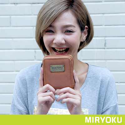 MIRYOKU-自然休閒系列-隨性休閒拉鍊短夾-駝