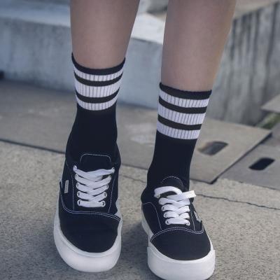 DADA SUPREME 潮流百搭中筒襪-男-黑白