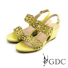 GDC-水鑽沖孔花朵鏤空真皮楔型涼鞋-黃色