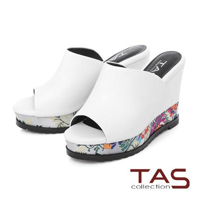 TAS 寬版牡丹花刺繡厚底楔型涼拖鞋-花漾白