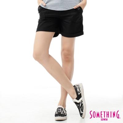 SOMETHING-短褲-袋蓋大口袋休閒短褲-女-黑色