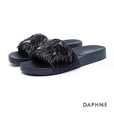 達芙妮DAPHNE 涼鞋-串珠流蘇曲線厚底涼拖鞋-黑