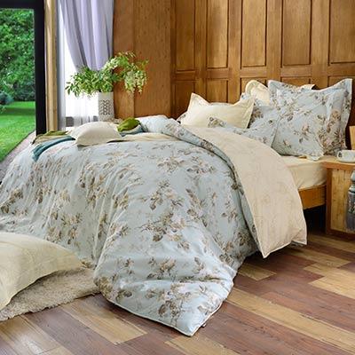 義大利La Belle 雙人純棉防蹣抗菌吸濕排汗兩用被床包組-綠野花間