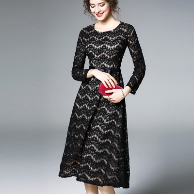 ABELLA 艾貝拉 層次波紋黑蕾絲圓領緞帶收腰洋裝(S-2XL)