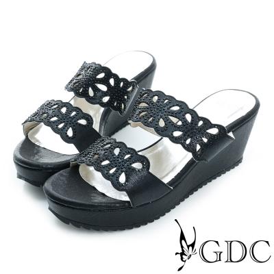 GDC-花型沖孔寶石水鑽楔型厚底涼拖鞋-黑色