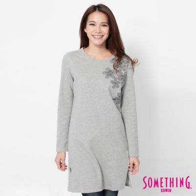 SOMETHING 下襬開衩長版T恤-女-麻灰色
