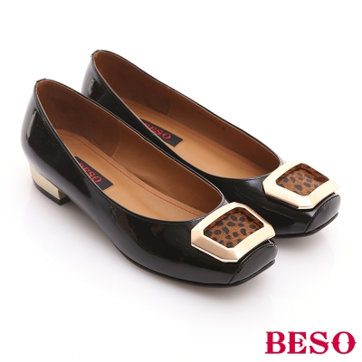 BESO-復古風潮-全真皮方型馬毛金屬飾扣低跟鞋