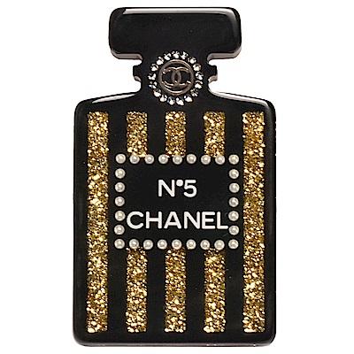 CHANEL 經典雙C LOGO壓克力香水瓶造型珍珠水鑽金粉鑲嵌胸針(黑)